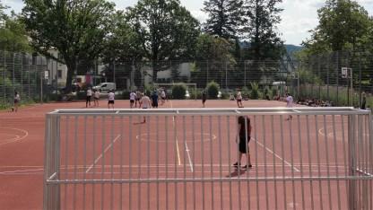 10.07.2019: Die Abiturienten haben das Lehrerteam nach einer spannenden Partie doch noch besiegt - 2:1 (0:1)
