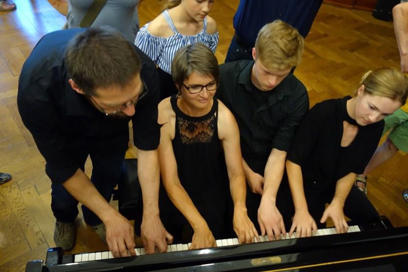 190724_4hd_Klavier