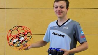 04.09.2019: Jakob Jarebica ist bereit für den Droneball-Wettkampf in Südkorea. Wir drücken die Daumen!
