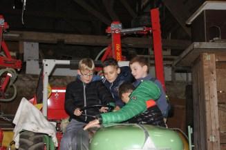 Jungs wollen natürlich Traktor fahren