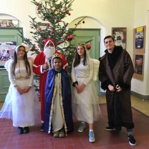 05.12.2019: Hoher Besuch am SG: Die himmlischen Heerscharen unterm Christbaum