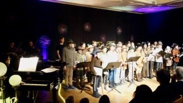 10.12.2019: Die SG Voices laden ihr Publikum ein auf eine Weihnachtsreise durch die ganze Welt.