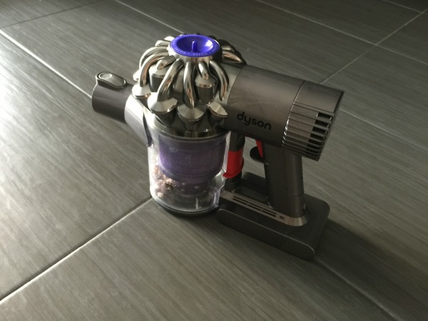 dyson dc62 vacuum cleaner