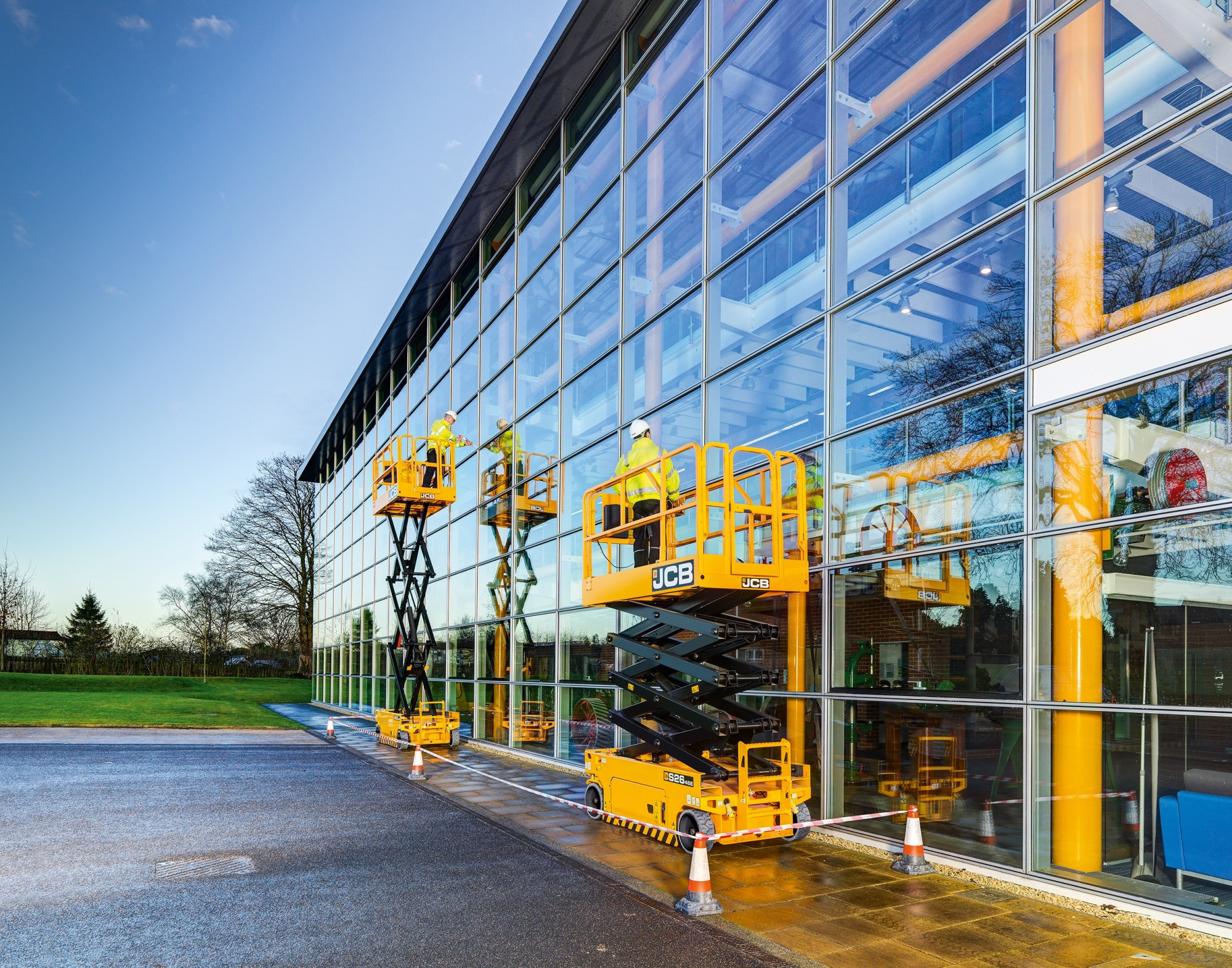 hight resolution of jcb introduced its first nine products to signal its entrance into the aerial lift market