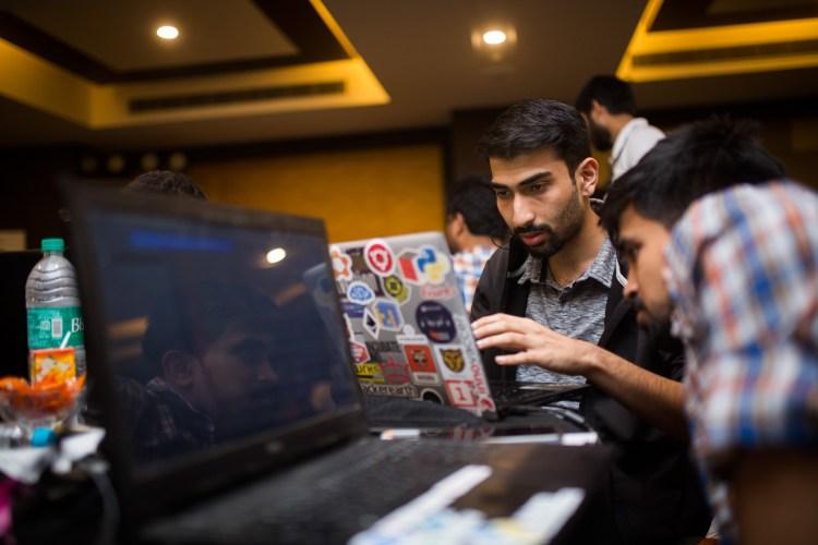 16Mar19-SGBrainwaves-Hackathon-Aloft243