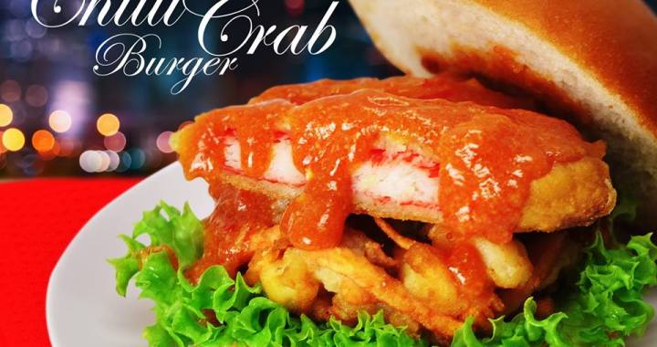 The NEW MUST TRY: Chilli Crab Mantou Burger WITH VEGETABLE TEMPURA from MOS Burger Singapore!