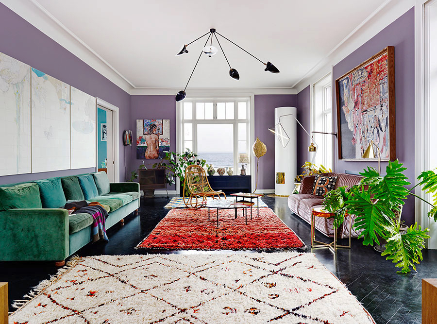 A Mad Mix Of Colors And Texture In An Eclectic Living Room Colorful House Tour On Coco Kelley Sg Style