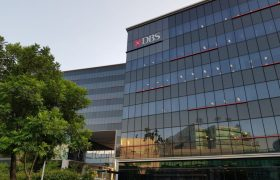 DBS Group Holdings share price D05