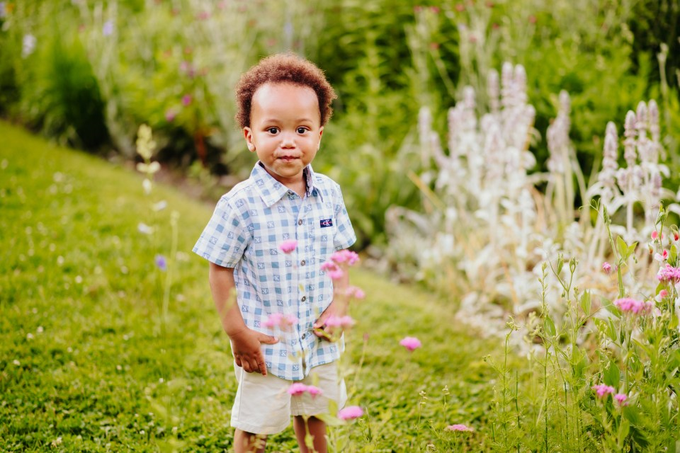 summer family session in philly garden