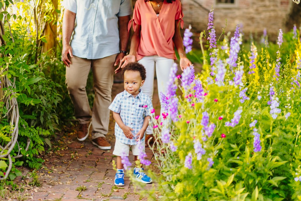 family photography session bartram's garden