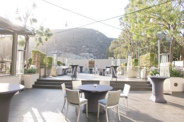 7 Degrees does the ceremony and cocktails in this lovely outdoor space - perfect for a SoCal wedding!