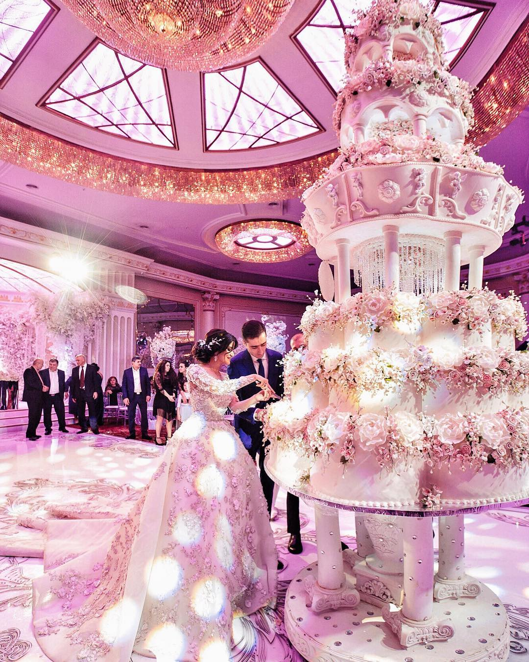 Wedding most cakes extravagant The Daily