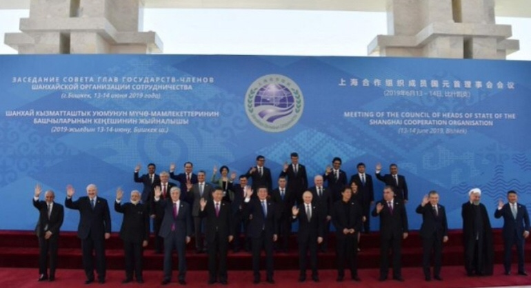 في خطوة جريئة.. دول منظمة شنغهاي تقطع علاقتها بالدولار الأميركي
