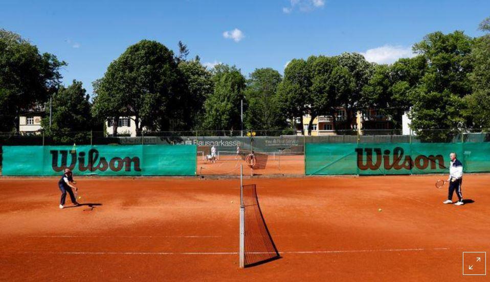 عودة مباريات فردي التنس بالنمسا لكن دون تلامس أو مصافحة