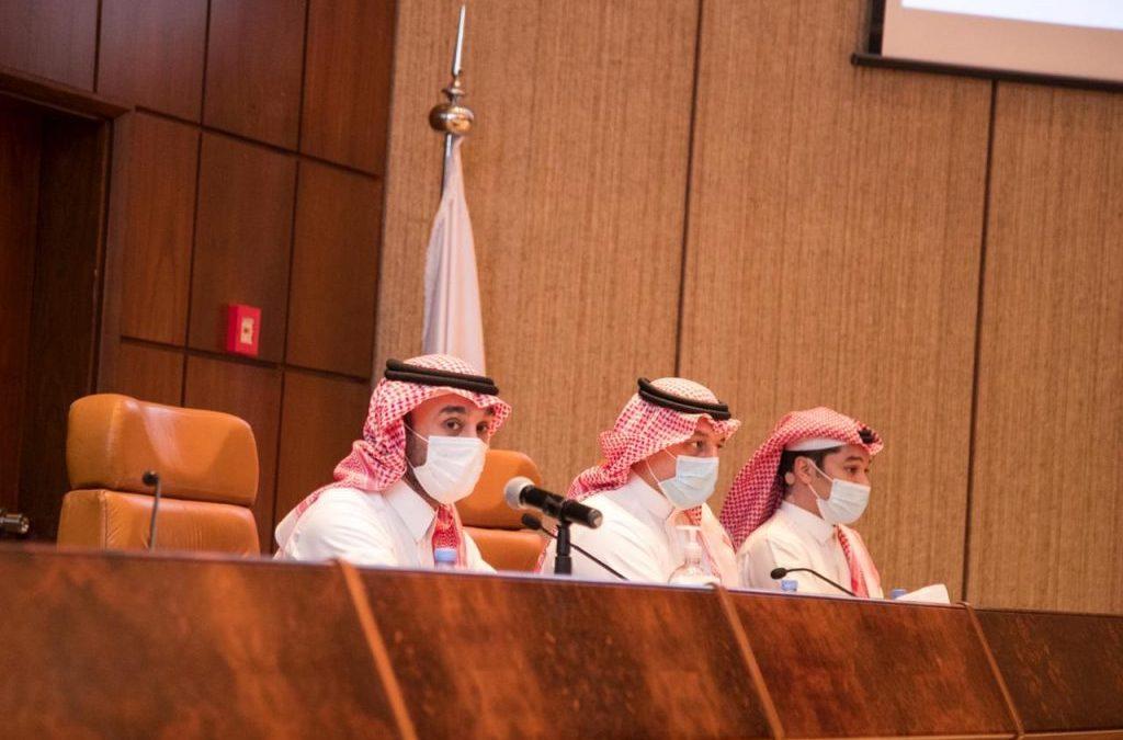 وزير الرياضة يجتمع مع رؤساء الأندية
