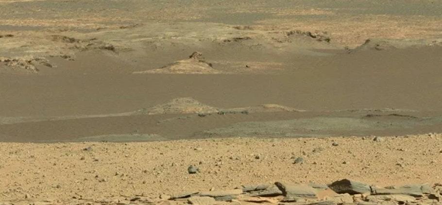 رائد فضاء روسي: الحياة موجودة بالفعل على المريخ