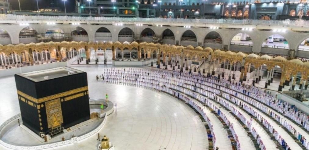 أول أفواج المعتمرين والزوار يوم غد ٍ الأحد بالمسجد الحرام