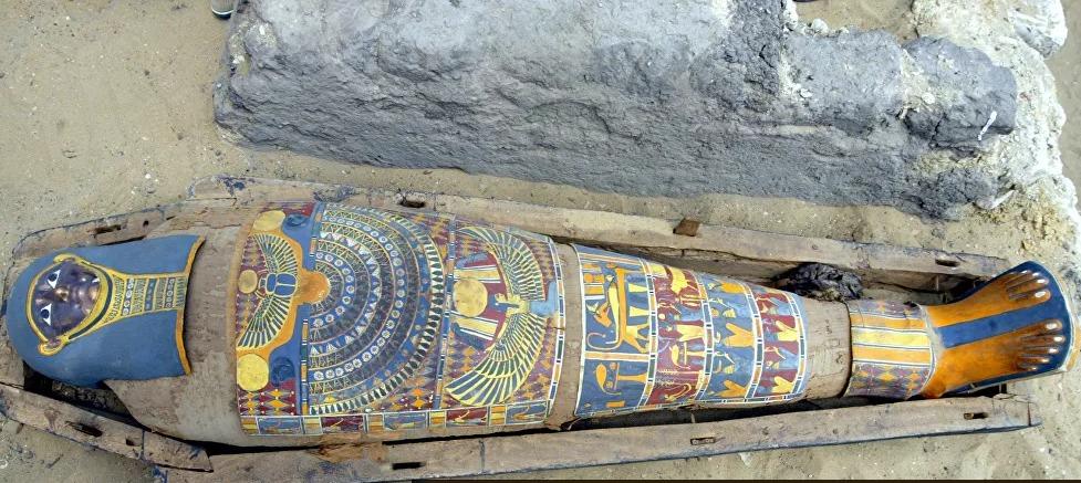 العثور على قطعة أثرية غير عادية داخل مومياء مصرية