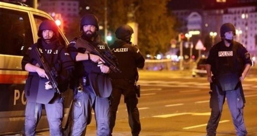 النمسا : مداهمة أكثر من ستين موقعا ً على ارتباط بحماس والإخوان المسلمين.