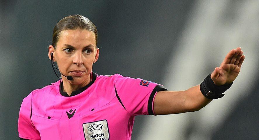"""""""ستيفاني فرابار"""" أول إمرأة ستحكم مباراة بتصفيات كأس العالم للرجال"""