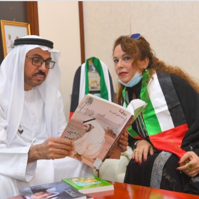 """بعد حصولها على الإقامة الذهبية..الإمارات تكرم الروائية السورية """"مريم محيي الدين ملا"""""""