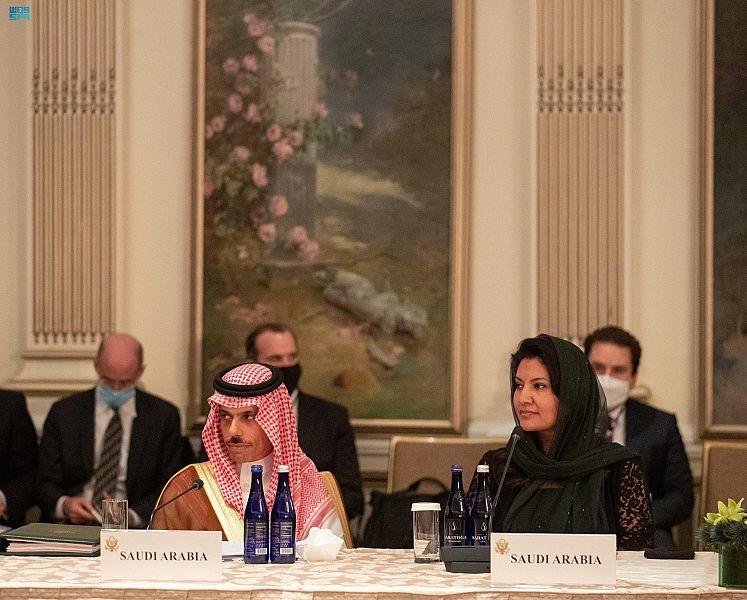 وزير الخارجية السعودي يشارك في اجتماع الترويكا مع وزير الخارجية الأمريكي