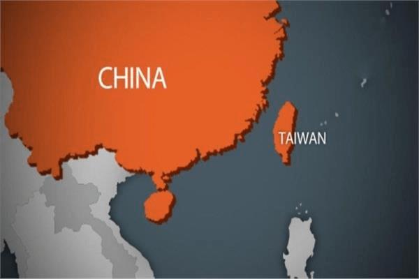 وزير الدفاع التايواني يحذر الصين من إحداث أزمة فى مضيق تايوان