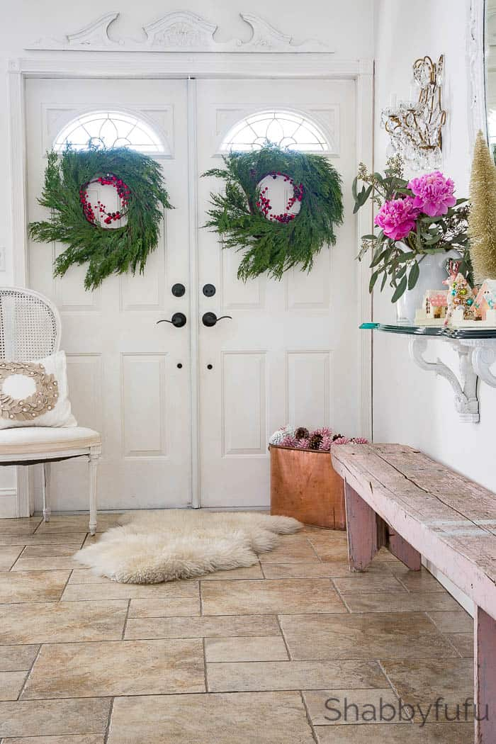 Design Ideas For The Entryway At Christmas  shabbyfufucom