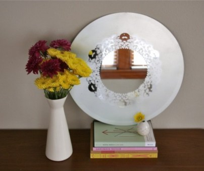 diy-frosted-glass-doily-mirror-4-500x420