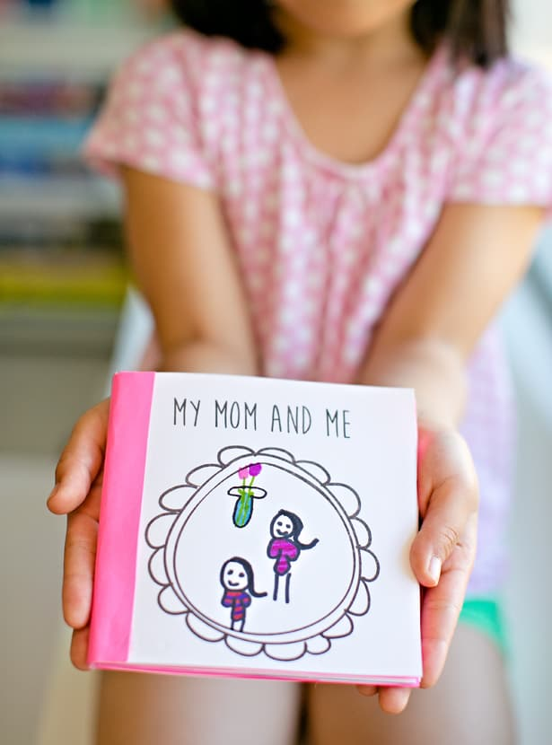 Mom and Me book. Shabbymintchicparty.com
