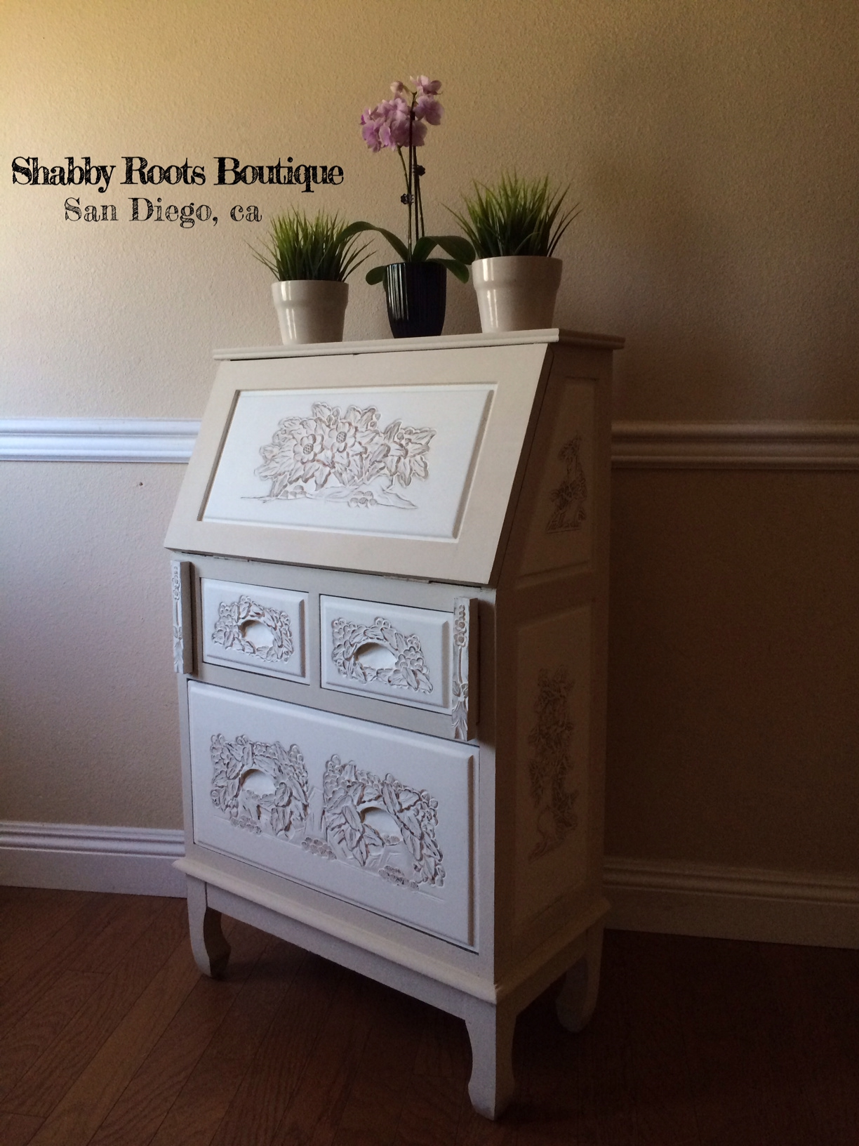 Ultra shabby small secretary desk  Shabby Roots Boutique