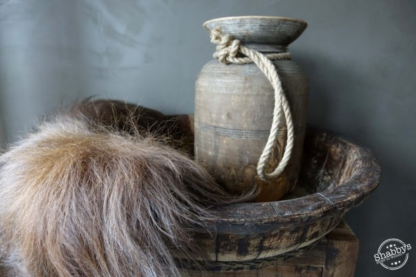 Shabbys-Stoer in wonen-Oude Houten Chinese olijfbak rond stoer en sober