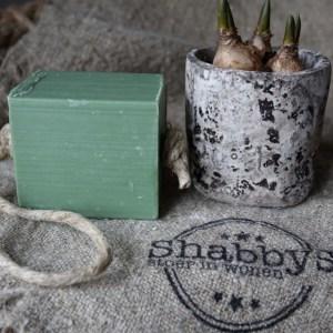 Shabbys-Stoer in wonen-Stoer, olijfkleur blok Savon de Marseille aan koord, olijven en vijgen