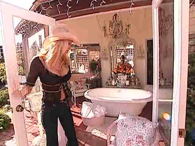 INSPIRATION Pamela Andersons Shabby Coastal Home