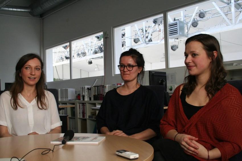 Auf dem Foto sind von links nach rechts zu sehen: Anna Achleitner, Valerie Bruckbög und Kathrin Kaisinger. Bild: Markus Schauta.
