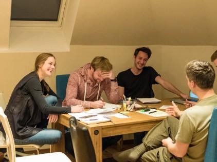 Gemeinsame Besprechung des PR- und Organisations-Teams des FSH. Foto: Bild: Shabka, CC BY-NC-ND 4.0.