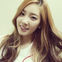 Girls' Generation's TaeYeon shows off her tired eyes