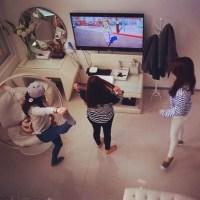 SNSD Tiffany, Taeyeon, and Sooyoung seen watching 2ne1's 'Happy' MV!