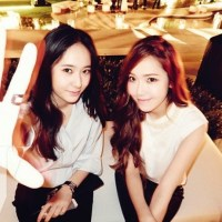The gorgeous Jessica and Krystal for '1st Look' magazine's July Issue