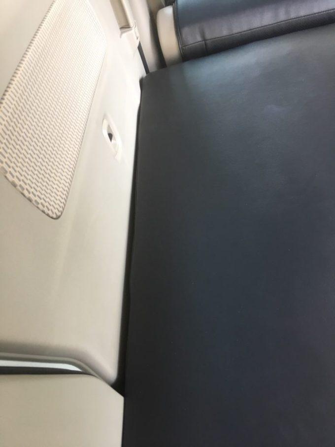 エブリイワゴンの車中泊専用ウレタンマットレス