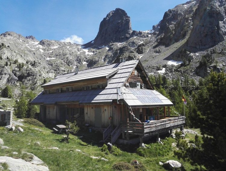 refuge de la Cougourde 夏季