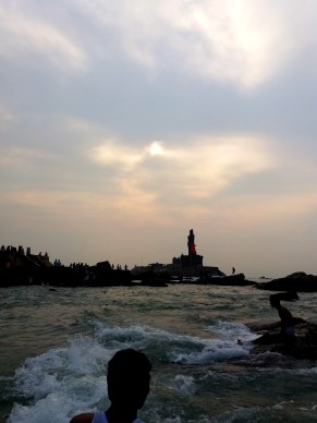 Dawn at Kanyakumari :: Thiruvalluvar Statue