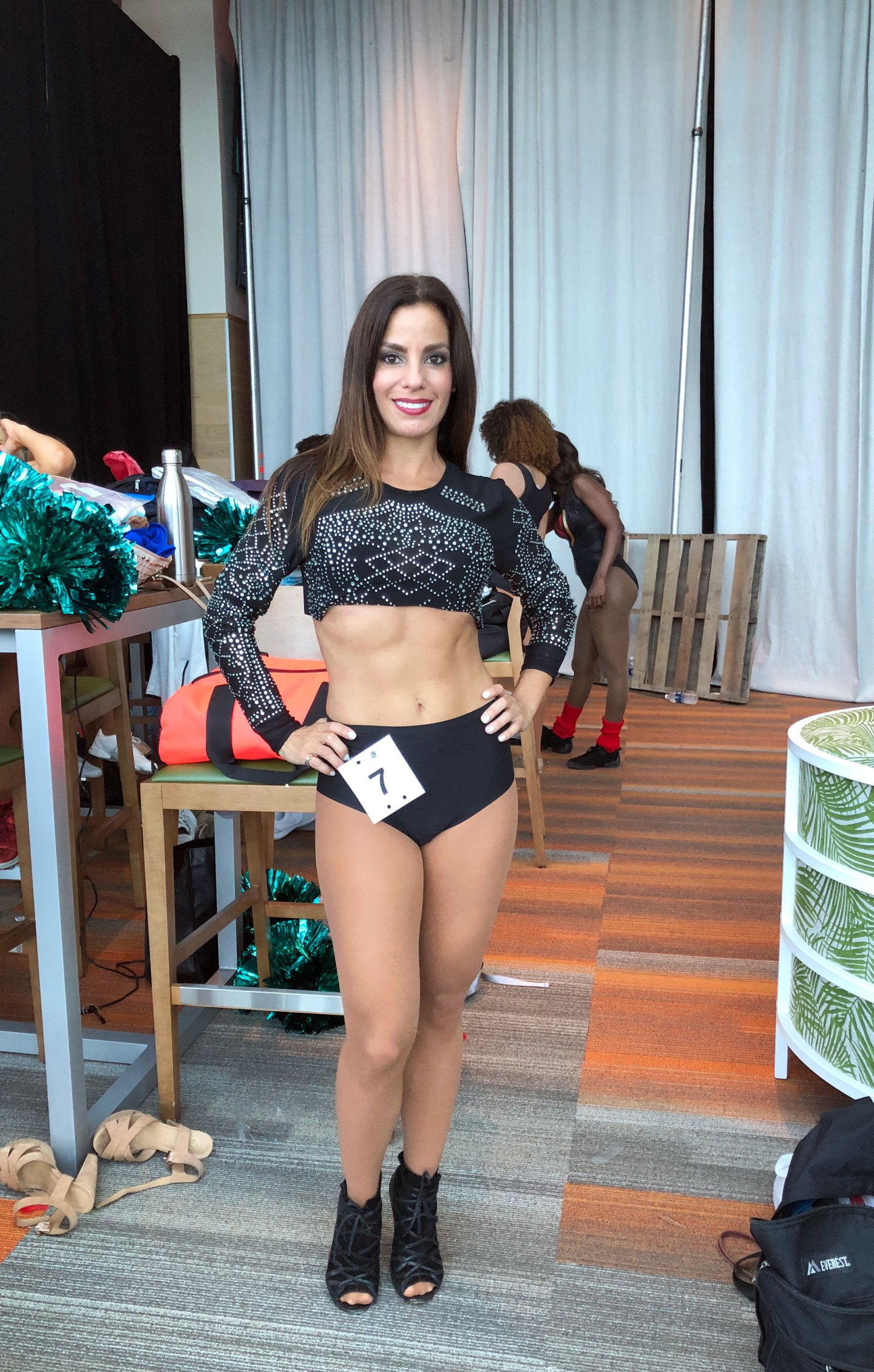 miami-dolphins-cheerleader-audtions-solo-maidelin