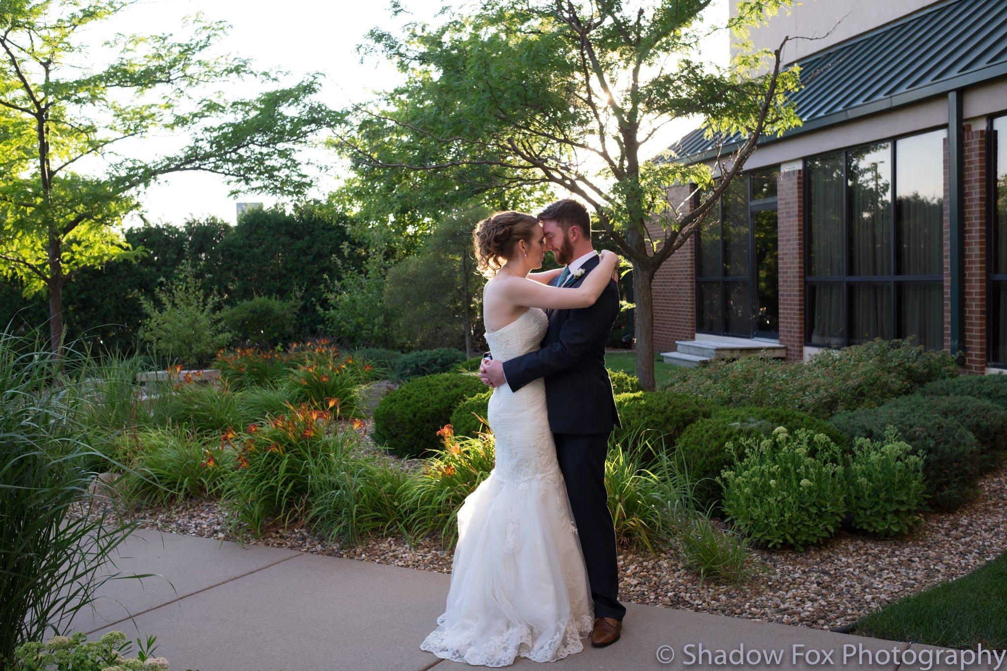 Wedding portrait photography outdoors