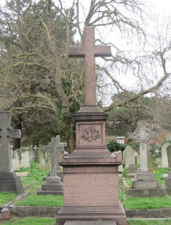 The Platt memorial showing the Alpha and Omega, a Chi-Rho and acroteria on each corner of the pedestal and the large cross on top. ©Carole Tyrrell