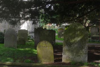 ChurchyardView1