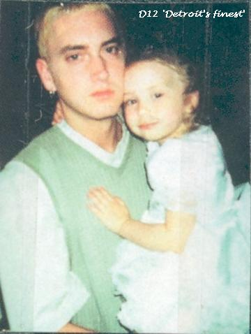 Hailie And Laney : hailie, laney, Welcome!, Close, Would, Homepage?, Easy..., Please, Page!, Thanks, Don't, Again., Eminem's, Family:, Credit, Eminem, Owner, Group, Daughter, Uncle, Mother, Father