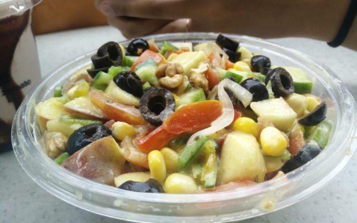 yoghurt-veggie-nut-salad-at-burgrill