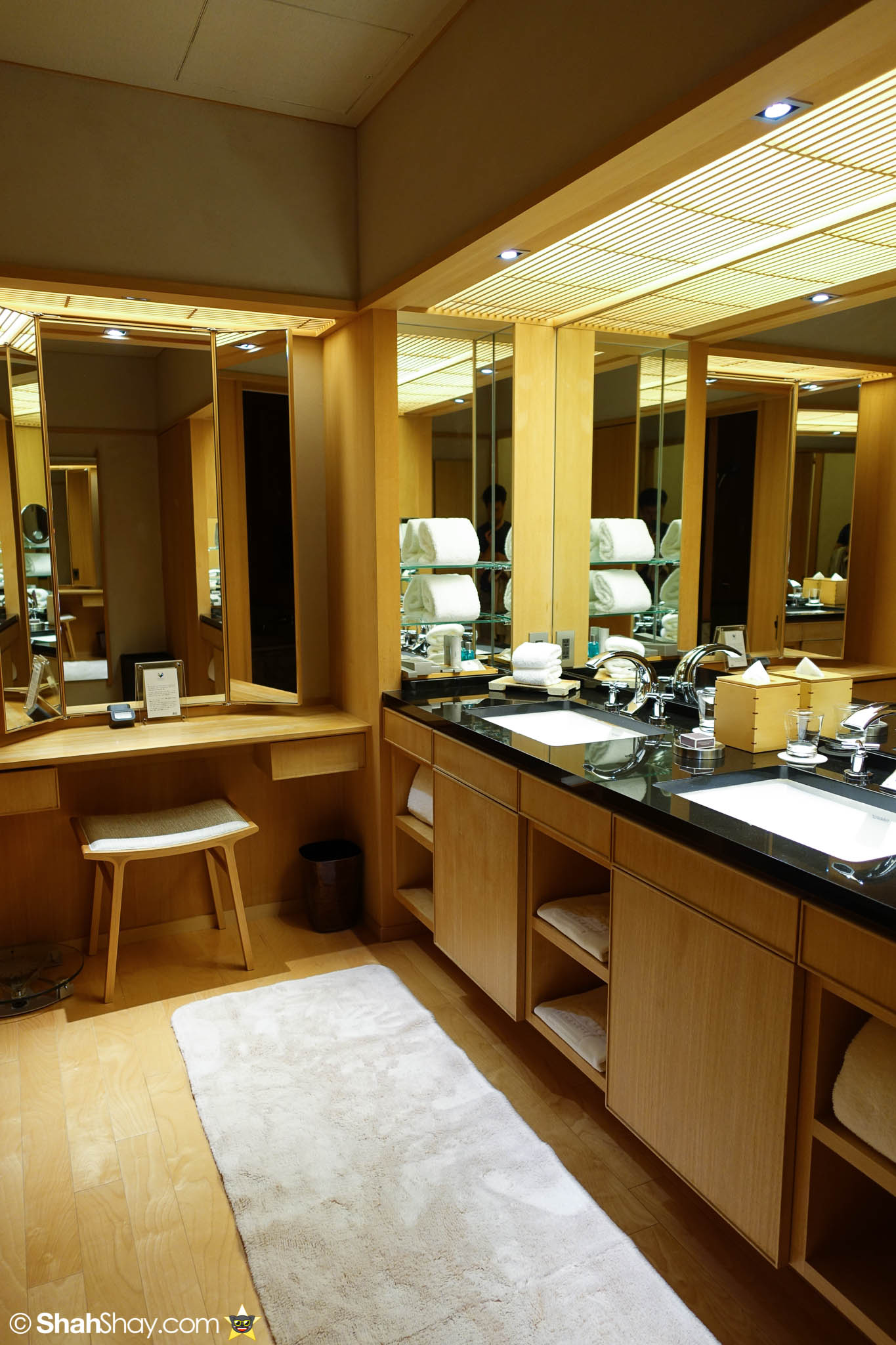 The Ritz Carlton Tokyo Rooms   Modern Japanese Suite   Bathroom