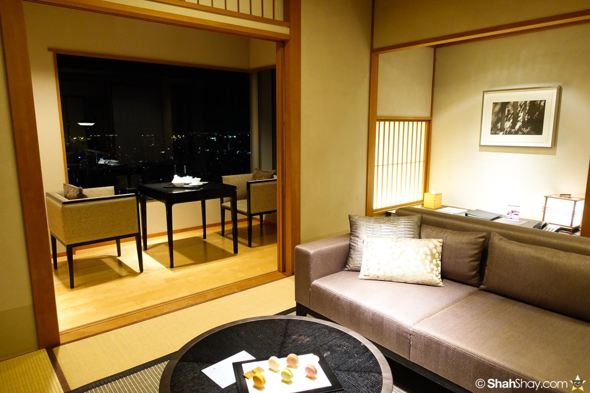 The Ritz-Carlton Tokyo Rooms - Modern Japanese Suite - Living Room